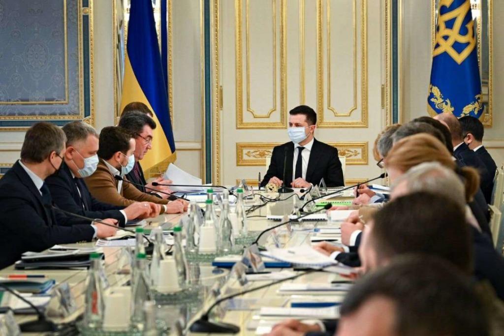 Впервые не в Киеве! Заседание СНБО — уже в эту пятницу: новые санкции — списки уже формируются!