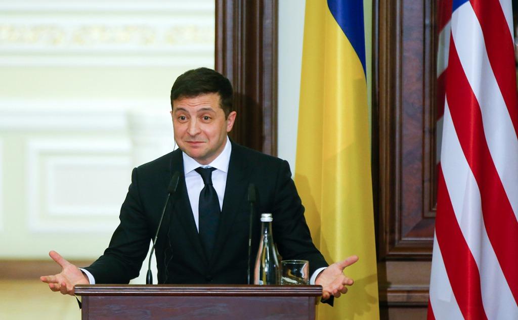 Только что! Свежий президентский рейтинг: Зеленский лидирует. Первое место-украинцы аплодируют.