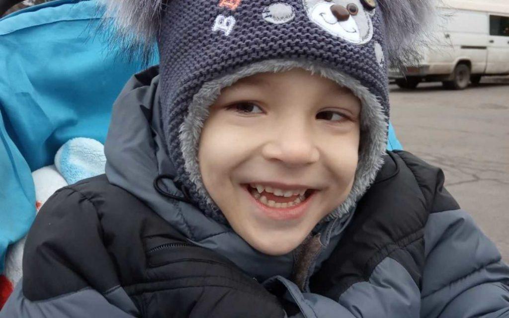 5-летний Дениска нуждается в вашей помощи