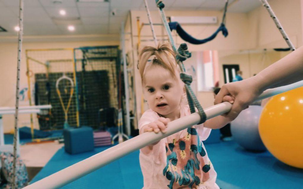 На долю маленькой Марты уже выпала ряд испытаний, которые ребенок вынужден преодолевать