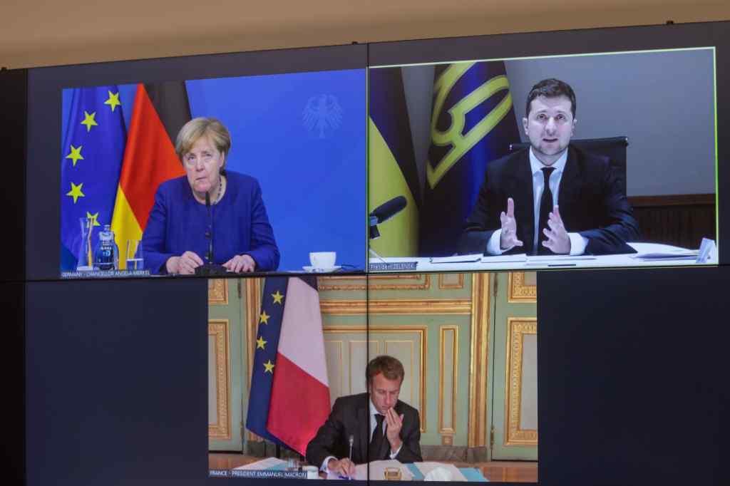 Срочная конференция! Зеленский сказал все: прямо в глаза Макрона и Меркель! Войну закончат: все точки «над и». Он сделал это