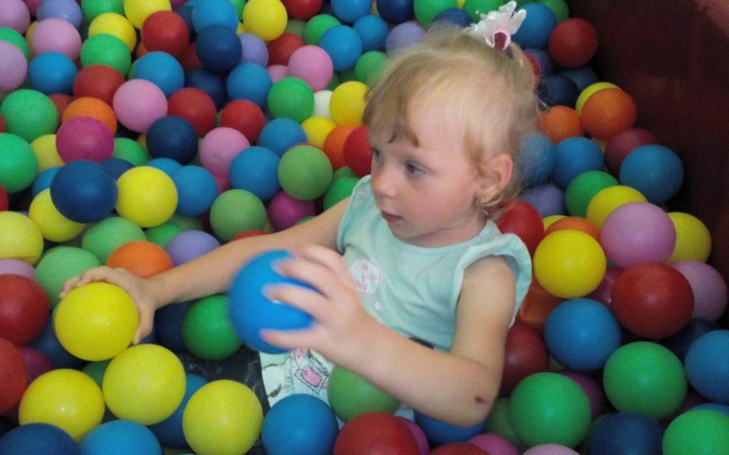О полноценном будущее для своей дочери Дианки просят родители