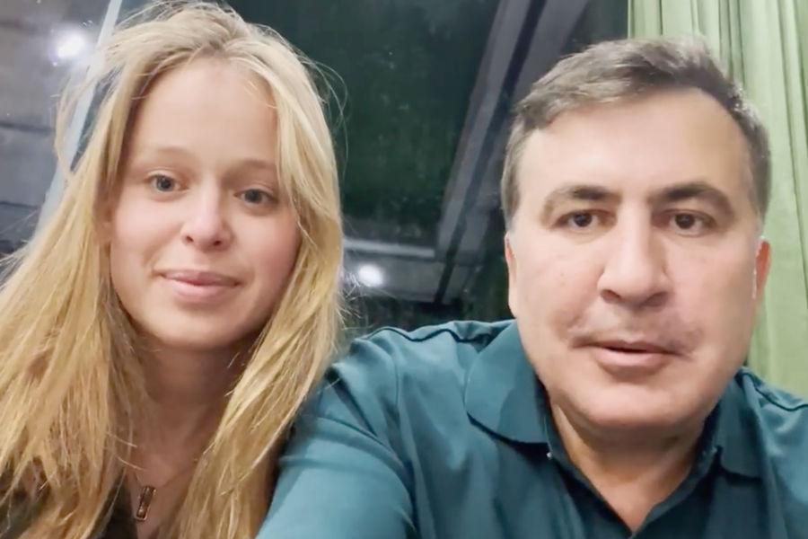 Трогательный поступок! Любимая Саакашвили ошеломила: поедет спасать! Страна в ожидании — любовь спасет мир
